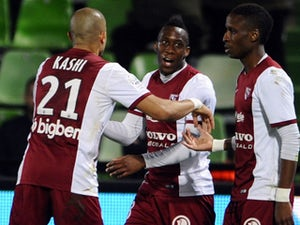 Metz give survival hopes a boost