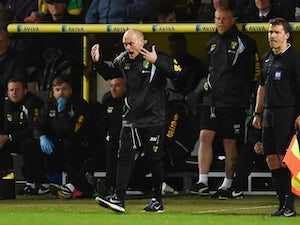 Alex Neil manager of Norwich City motivates his team during the Sky Bet Championship match between Norwich City and Middlesbrough at Carrow Road on April 17, 2015