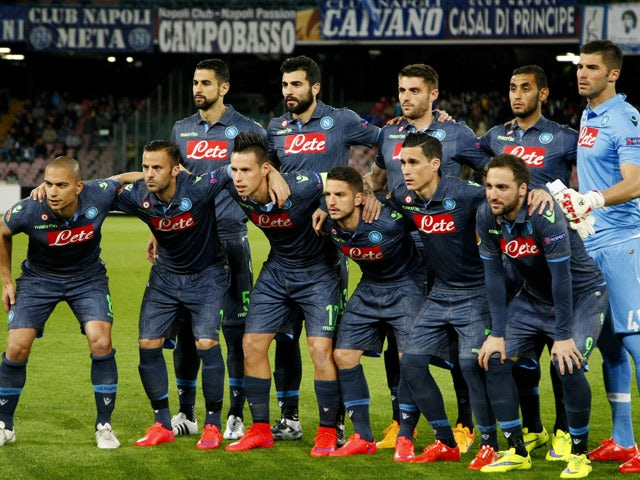 Napoli's players pose before the UEFA Europa League quarter final second leg football match SSC Napoli vs VFL Wolfsburg on April 23, 2015