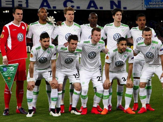 Wolfsburg players pose before the UEFA Europa League quarter final second leg football match SSC Napoli vs VFL Wolfsburg on April 23, 2015