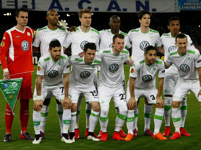Wolfsburg players pose before the UEFA Europa League quarter final second leg football match SSC Napoli vs VFL Wolfsburg on April 23, 2015