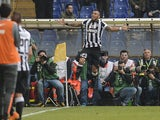 Juventus' Chilean midfielder Arturo Vidal celebrates after scoring a goal during the Italian Serie A football match Sampdoria vs Juventus on May 2, 2015