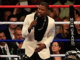Jamie Foxx sings the national anthem of the United States of America before the welterweight unification championship bout between Floyd Mayweather Jr. and Manny Pacquiao on May 2, 2015