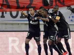 Ten-man Marseille beaten by Reims