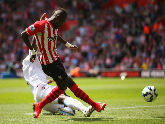 Sadio Mane of Southampton scores his second goal during the Barclays Premier League match between Southampton and Aston Villa at St Mary's Stadium on May 16, 2015
