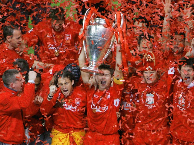 Liverpool's captain Steven Gerrard holds the throphy surrounded by teammates at the end of the UEFA Champions league football final AC Milan vs Liverpool, 25 May 2005