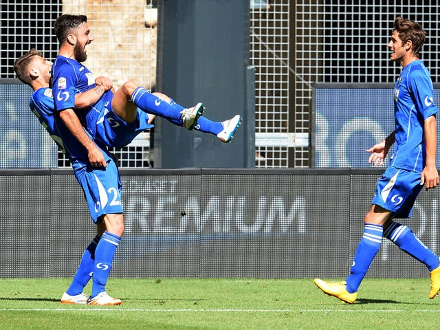 Francesco Magnanelli of US Sassuolo celebrates after scoring his opening goal during the Serie A match between Udinese Calcio and US Sassuolo Calcio at Stadio Friuli on May 24, 2015