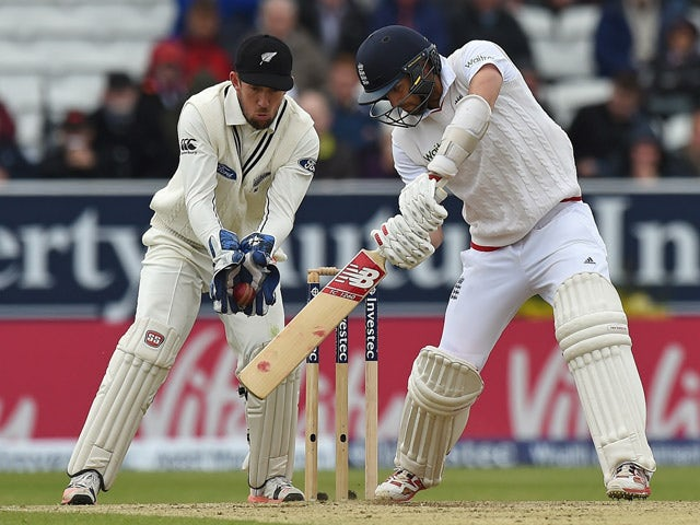 New Zealand's wicket keeper Luke Ronchi catches out England's Mark Wood for 19 rus on the third day of the second cricket test match between England and New Zealand at Headingley in Leeds, northern England, on May 31, 2015