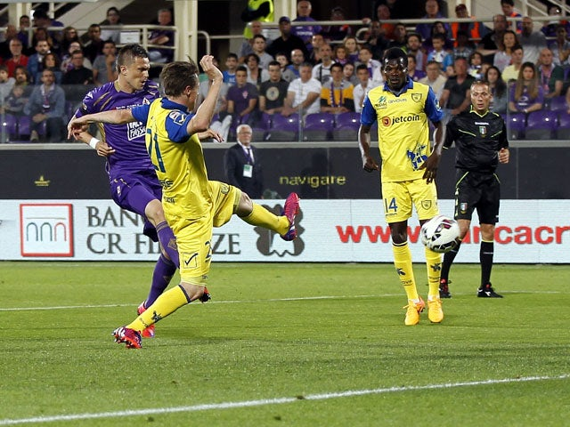 Result: Fiorentina beat 10-man Chievo