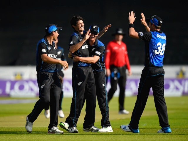 New Zealand players celebrate the England wicket taken by Andrew Mathieson during the fifth ODI at Chester-le-Street on June 20, 2015