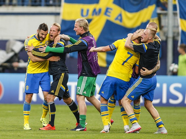 Players of Sweden celebrate after winning the UEFA Under21 European Championship between Italy and Sweden at Andruv Stadium on June 18, 2015