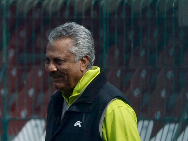 Pakistan cricket chief consultant Zaheer Abbas during a team practice in the training camp at the Gaddafi stadium in Lahore on February 18, 2014