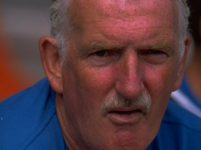 Alex Stepney of Manchester City during the pre-season friendly match against Bury City played in bury, England on July 17, 1999