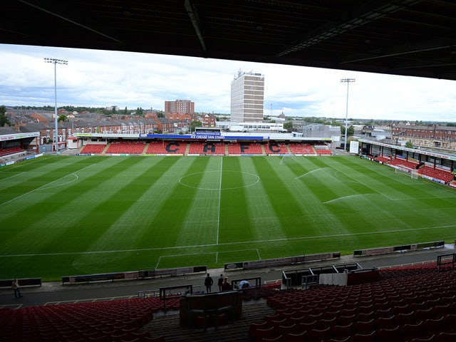 Crewe suspend youth coach Carl Everall