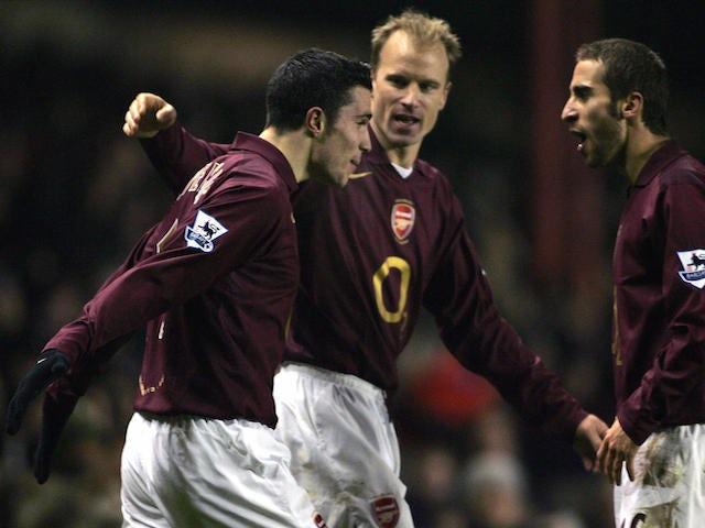 lowest price 139e2 fe9f2 Robin van Persie: Top five Arsenal goals - Sports Mole