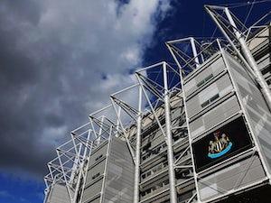 Newcastle sign Norwich winger Murphy