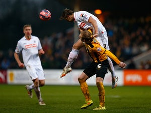 Stevenage sign ex-Luton defender Franks