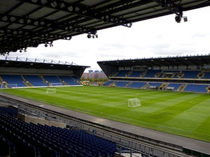 Jags defender Lindsay rejects Oxford move?