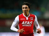 Steven Berghuis of AZ in action during the Dutch Eredivisie match between AZ Alkmaar and SC Cambuur held at the AFAS Stadion on March 21, 2015