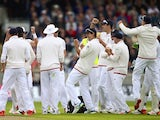 England players celebrate after David Warner is dismissed on day one of the Third Test of The Ashes on July 29, 2015