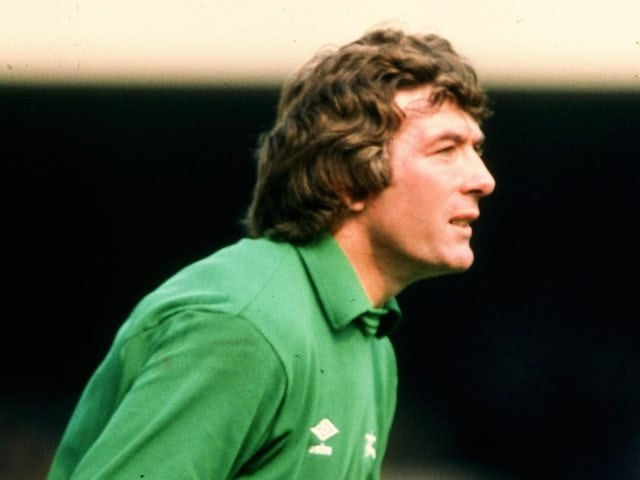 On this day: Pat Jennings crosses North London divide