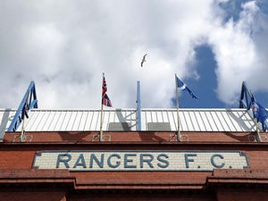 Rangers sign Candeias from Benfica
