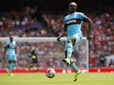 West Ham United's Italian defender Angelo Ogbonna passes the ball during the English Premier League football match between Arsenal and West Ham United at the Emirates Stadium in London on August 9, 2015