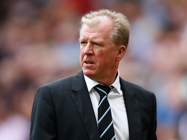 Steve McClaren manager of Newcastle United looks on during the Barclays Premier League match between Manchester United and Newcastle United at Old Trafford on August 22, 2015