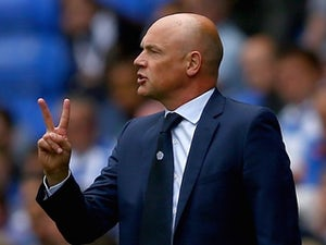 Uwe Rosler signs new Fleetwood contract