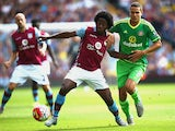 Carlos Sanchez of Aston Villa and Jack Rodwell of Sunderland compete for the ball during the Barclays Premier League match between Aston Villa and Sunderland at Villa Park on August 29, 2015