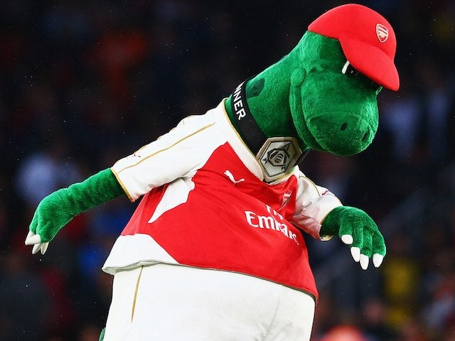 The Gunnersaurus has a kickabout ahead of Arsenal's clash with Liverpool on August 24, 2015