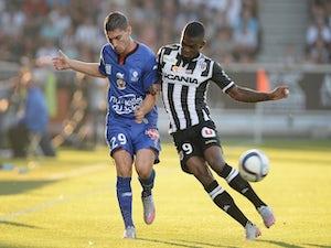 Angers maintain unbeaten start