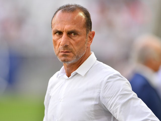 Nantes' Franco-Armenian head coach Michel Der Zakarian looks on during the warm up before the French Ligue 1 football match between Bordeaux (FCGB) and Nantes on August 30, 2015