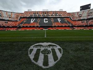 Unbeaten Valencia thrash Sevilla