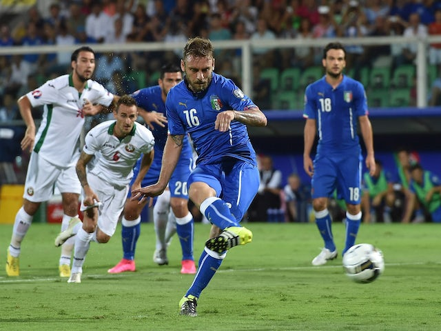 Result: De Rossi penalty gives Italy victory