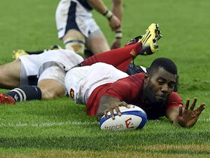 France snatch late victory against Scots