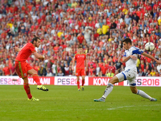 Gareth Bale of Wales takes a shot on goal during the UEFA EURO 2016 group B qualifying match between Wales and Israel at Cardiff City Stadium on September 6, 2015