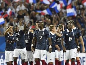 Blaise Matuidi double inspires France