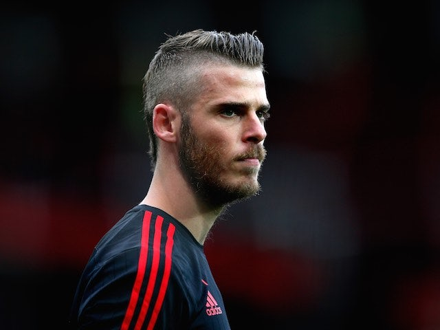 David de Gea warms up prior to Man Utd's game with Liverpool on September 12, 2015