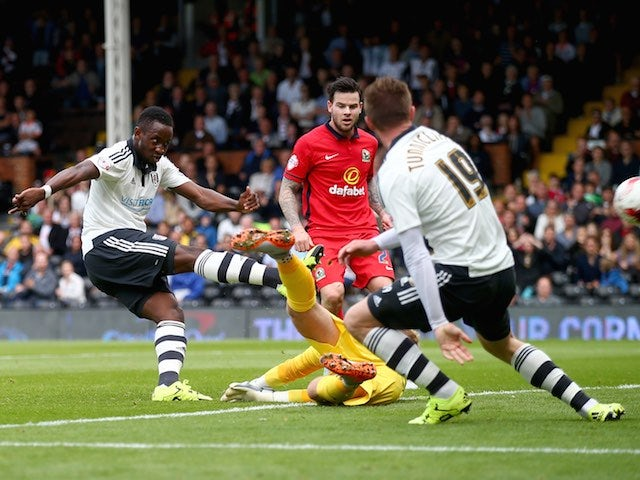 Moussa Dembele scores for Fulham against Blackburn on September 13, 2015