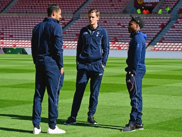 Nacer Chadli, Jan Vertonghen and Danny Rose have a chinwag prior to Spurs' game with Sunderland on September 13, 2015