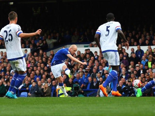 Steven Naismith scores Everton's second against Chelsea on September 12, 2015