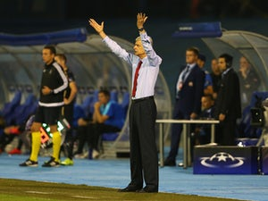 Wenger bemoans luck after Zagreb defeat