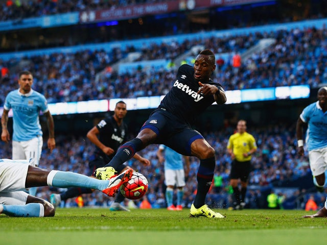 Diafra Sakho of West Ham United scores his team's second goal during the Barclays Premier League match between Manchester City and West Ham United at Etihad Stadium on September 19, 2015