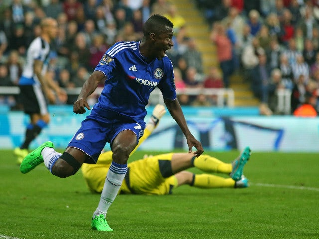 Chelsea's Brazilian midfielder Ramires celebrates after Willian's freekick goes straight into the net for Chelsea's second goal during the English Premier League football match between Newcastle United and Chelsea at St James' Park in Newcastle-upon-Tyne,