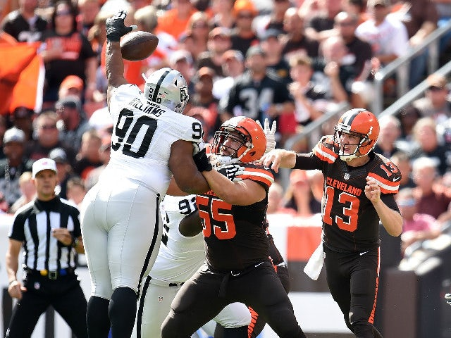 Result: Carr stars as Oakland win in Cleveland