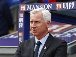 Crystal Palaces English manager Alan Pardew awaits kick off in the English Premier League football match between Crystal Palace and West Bromwich Albion at Selhurst Park in south London on October 3, 2015