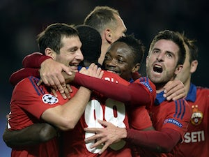 CSKA Moscow hold on to beat 10-man PSV