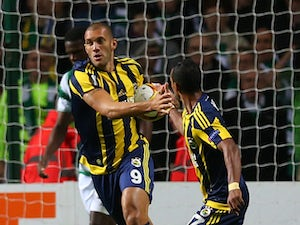 Celtic waste two-goal lead against Fenerbahce