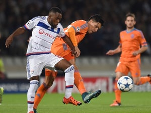 Feghouli puts Valencia ahead at Lyon
